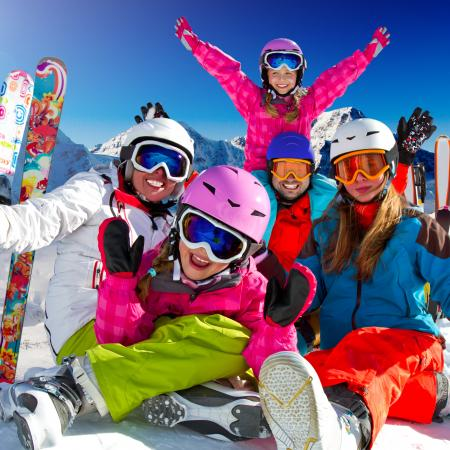 Family of skiers