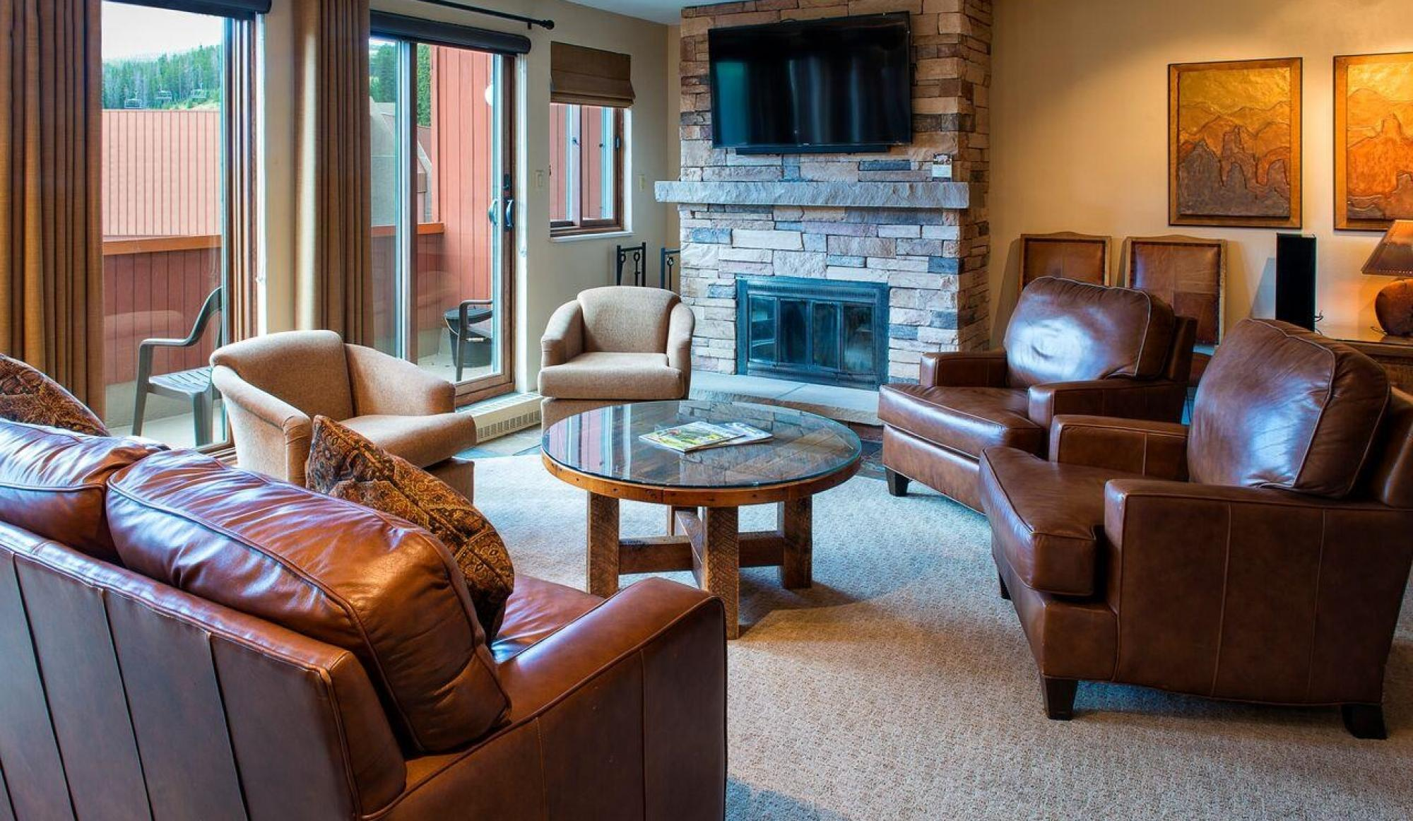Alpenglow Executive Suite in Breckenridge Living Room