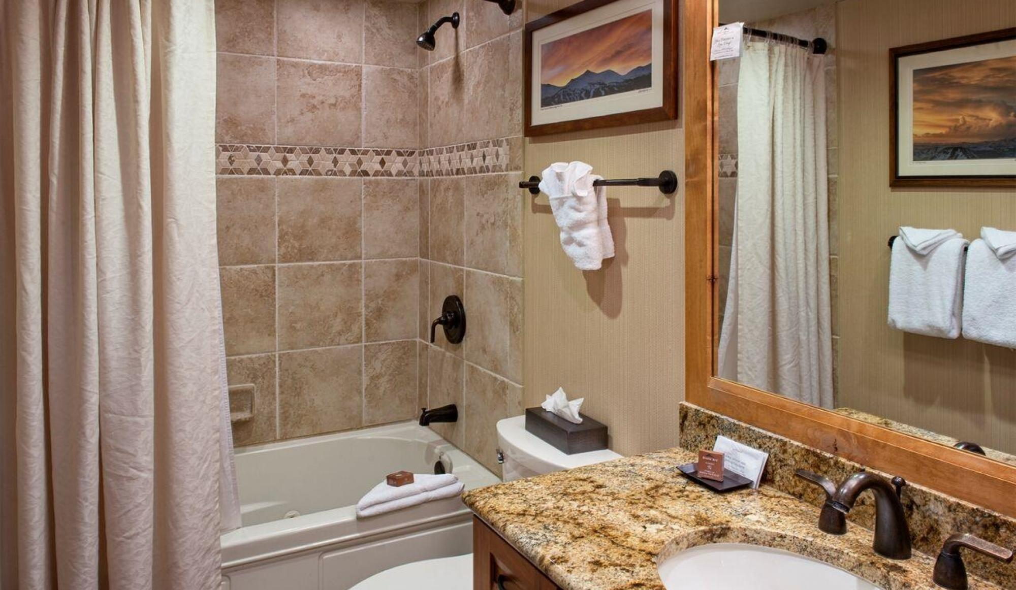 Alpenglow Executive Suite in Breckenridge Bathroom