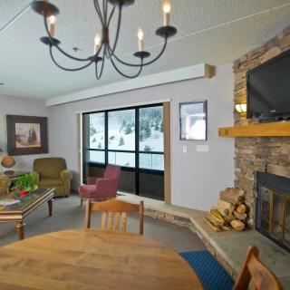 Colorado Suite Room at Beaver Run Resort in Breckenridge Living Room with Fireplace