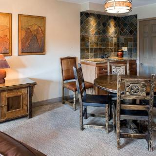 Alpenglow Executive Suite in Breckenridge Dining Room