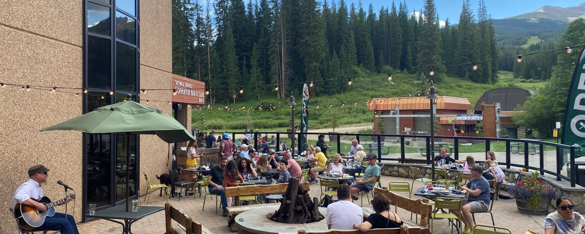 live music on the spencer's patio