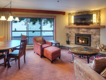 Breckenridge hotel with condo rentals offers weekend lodging specials.